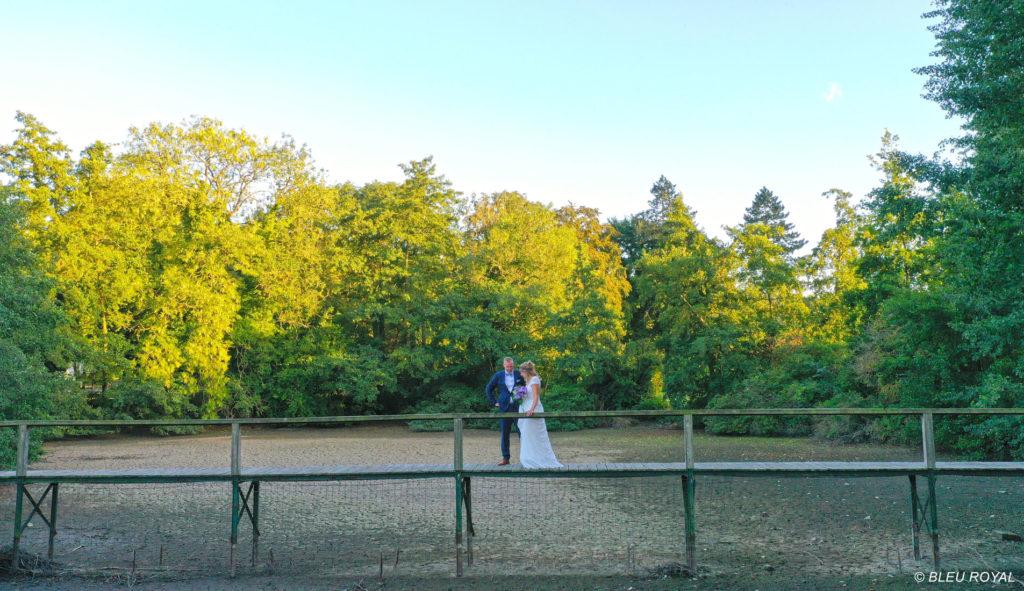 photo drone mariés pont - Vidéo mariage Nord